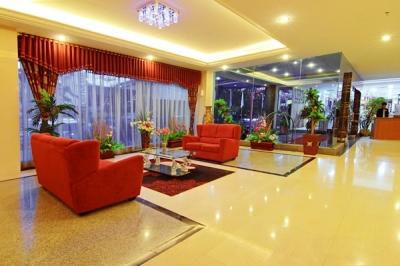 Lobby & Nuansa Lounge Bar
